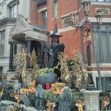 halloween decorations in chicago two explorers