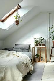 parquet blanc chambre deco de lit dacco chambre sou pente parquet blanc couleur mur