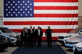 Red Flag Tv Show Milliardenminus Zum Jahresende Gm Fährt Dank Trump Ins Minus N