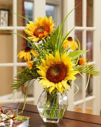 Small Flower Arrangements Centerpieces Decorating Ideas For Small Spaces Petals Com Blog