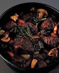 sanglier cuisine daube de sanglier pour 4 personnes recettes à table