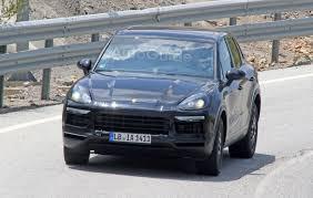 New Porsche Cayenne - new porsche cayenne spy photos reveal minor tweaks autoguide com