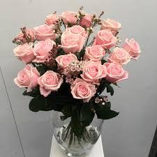 Long Stem Rose Vase 20 Long Stem Pink Roses In A Vase