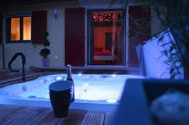 h el avec spa dans la chambre privatif nuit d amour