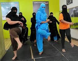 دعم بنات السعوديه لابو سروال