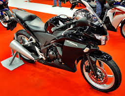 honda cbr 2011 file 2011 honda cbr250r black right motosalon jpg wikimedia commons