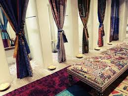 Fitting Room Curtains 32 Best Fitting Rooms Images On Pinterest My Style Windows And