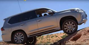 jeep lexus 2016 2016 lexus lx 570 gets off road scars while doing jeep