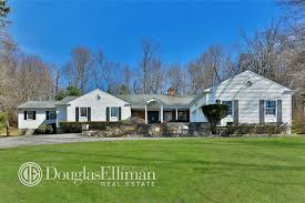 where is chappaqua hillary and bill clinton purchase house next door variety