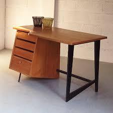 bureau en claude vassal bureau en chêne vers 1955 мебель