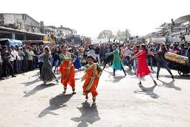 dholkichya talavar will have its first flash mob at vashi apmc market