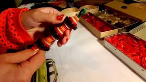 how to make christmas tree ornaments using buttons and pipe