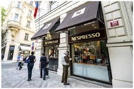 siege nespresso nespresso le gout du monde cairn info