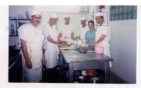 cherche chef de cuisine chef cuisinier demandes d emploi 12h07 05 12 2017