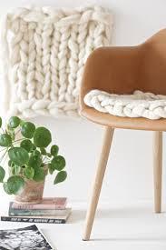 plaids en laine le cas du plaid en grosses mailles frenchy fancy