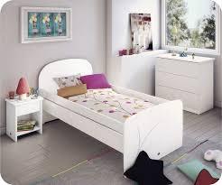 chambre fille blanche gallery of chambre de fille chambre avant apr s chambre