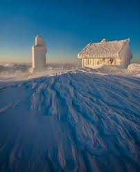 Winter House These 25 Forever Alone Winter Houses Have Become One With Mother