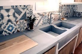 realiser une cuisine en siporex plan de travail beton cellulaire poser le carreau sur le lit de
