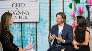 Joanna Gaines Design Book Fixer Upper U0027 Hosts Chip And Joanna Gaines On Marriage Rumors