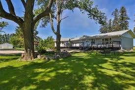 country bungalow east garafraxa caledon country homes luxury real