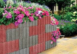 retaining wall ideas u2013 concrete planters as a supporting structure
