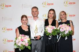 sieger design hse24 talent award verkaufsstart für das sieger design lars