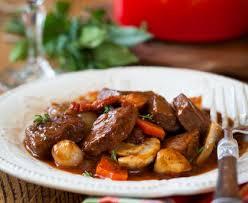 cuisiner boeuf boeuf bourguignon rapide recette de boeuf bourguignon rapide