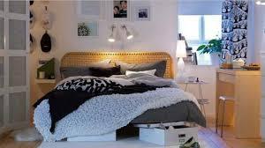 Winter Room Decorations - cozy winter bedroom