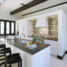 Coastal Cottage Kitchen Design - contemporary beach cottage kitchen design ideas