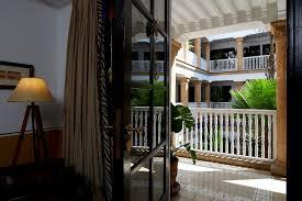 chambre l heure les chambres classiques de l heure bleue palais sont d inspiration