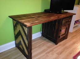 Hardwood Computer Desk Diy Pallet Child U0027s Desk Design Computer Table 101 Pallets