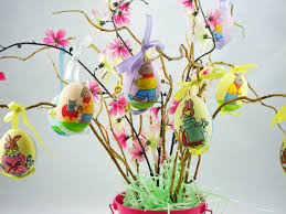 a diy easter tree that is uniquely you