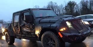 jeep wrangler pickup black 2019 jeep wrangler pickup scrambler spotted in traffic driver