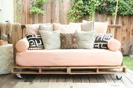 idée de canapé comment fabriquer un canapé en palette tuto et 60 idées