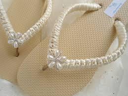 wedding flip flops ivory bridal flip flops ivory sandals ivory wedding flip flops