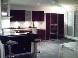 mur cuisine aubergine cuisine blanche mur aubergine 4 davaus couleur de mur pour couleur