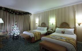disney hotels disneyland hotel christmas themed room