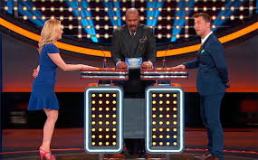 steve harvey reacts to kellie pickler on family feud