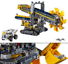 technic pieces new world s largest technic set is a 3 9k piece mega excavator