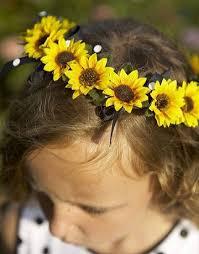 Girls Favourite Flowers - best 25 daisy wedding crowns ideas on pinterest daisy crown