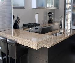 cuisine avec comptoir cuisine avec ilot bar 13 comptoir de cuisine en granit avec