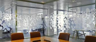 vitrophanie bureau la société pro concept spécialiste aménagement bureaux avec pose