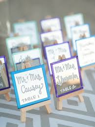 how to make table seating cards check out these adorable diy mini mirror escort cards card