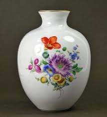 Meissen Vase Value Vase Meissen With Floral Decor Meissen Porcelain Pinterest