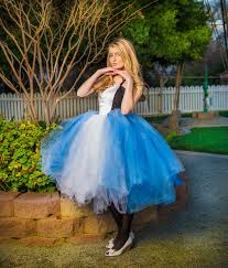 alice in wonderland costume spirit halloween coolest diy white queen costume from alice in wonderland