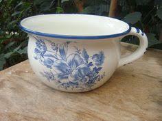 curieux comme un pot de chambre 15th century chamber pot kunstwerk töpferarbeit keramik gefäße