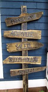 Halloween Decor Online Stores by Best 25 Halloween Signs Ideas On Pinterest Halloween Pallet