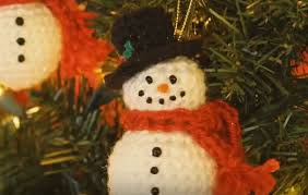 crochet snowman ornaments with pattern