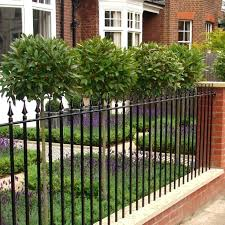 Front Garden Fence Ideas Landscaping In Front Of Fence Front Garden Boundary Fence Ideas