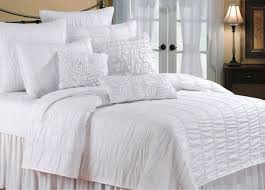 Difference Between Bed Cover And Bed Sheet by Bedroom Exciting Difference Between Duvet And Comforter With